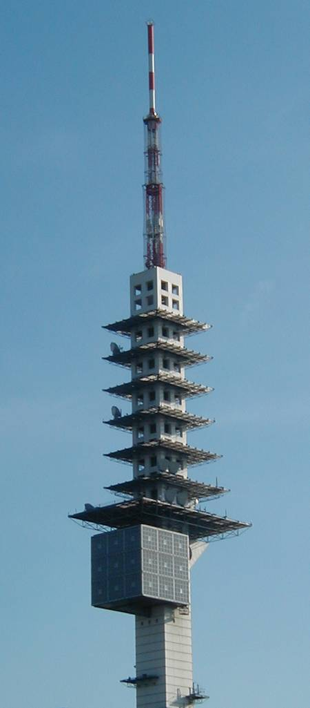 Der Telemax, der ausgesprochen hässliche und hohe Funkturm von Hannover