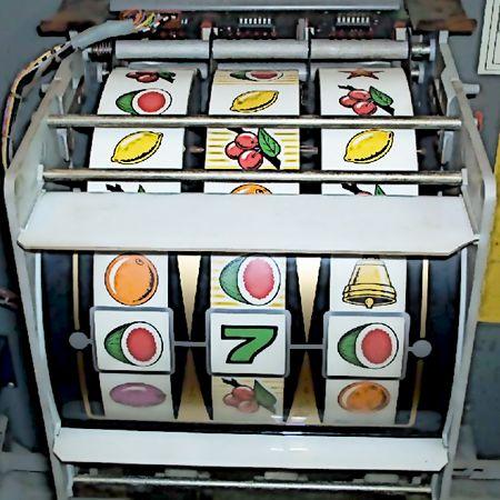 Walzenmaschine einer NSM Mint aus dem Jahre 1977