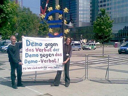 Demo gegen das Verbot der Demo gegen das Demo-Verbot! PS: WIr sind auch für was: Demokratie