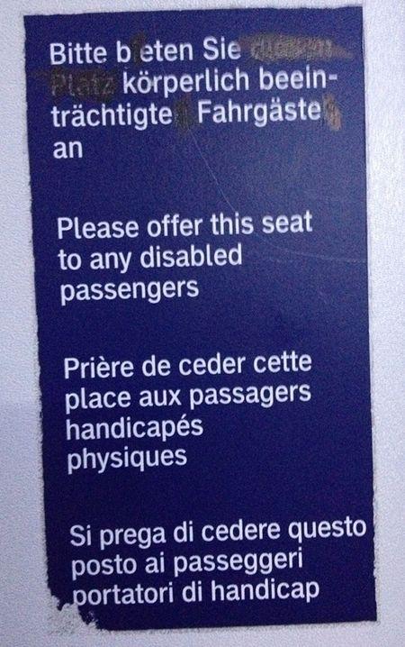 Bitte beten Sie körperlich beeinträchtige Fahrgäste an