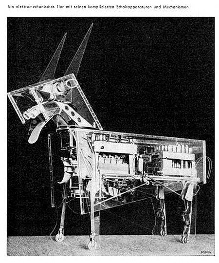 Ein elektromechanisches Tier mit seinen komplizierten Schaltapparaturen und Mechanismen
