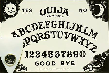 Foto eines Ouija-Brettes