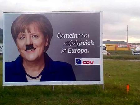 CDU-Wahlplakat, mit Angela Merkel als Motiv, als ob diese eine Kandidatin zur Europawahl wäre. Ursprünglicher Spruch war 'Gemeinsam erfolgreich in Europa', dieser wurde durch Ausstreichen von Buchstaben in 'mein reich Europa' verändert.
