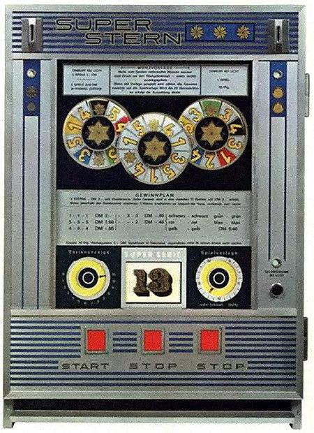Ein Bild des Geldspielgerätes 'Super Stern' von Th. Bergmann aus dem Jahr 1969 mit dem großen, werbewirksamen Aufdruck auf der Scheibe: 'Super Serie 13'.