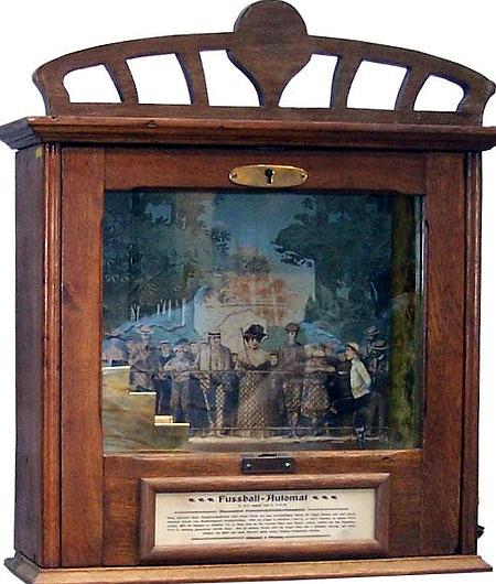 Fußball-Automat, Baujahr um 1900
