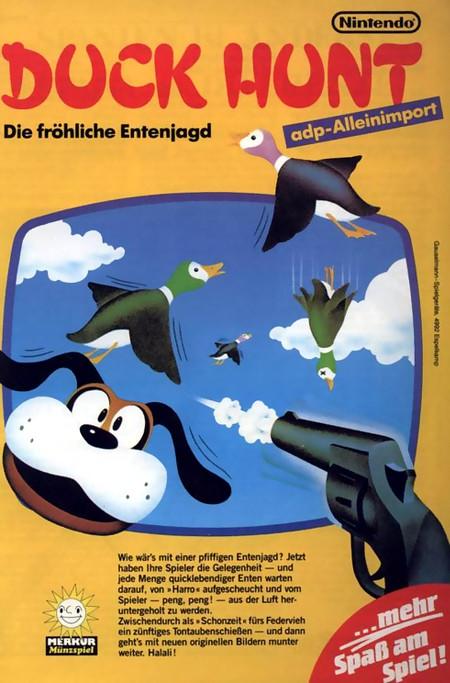 ADP-Alleinimport -- Duck Hunt: Die fröhliche Entenjagd -- Wie wärs mit einer pfiffigen Entenjagd? Jetzt haben Ihre Spieler die Gelegenheit, und jede Menge quicklebendiger Enten warten darauf, von Harro aufgescheucht und vom Spieler peng peng aus der Luft heruntergeholt zu werden. Zwischendurch als Schonzeit fürs Federvieh ein zünftiges Tontaubenschießen, und dann gehts mit neuen originellen Bildern munter weiter. Halali!