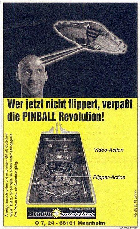 Werbung mit einem Gutschein für 2 DM an einem Flipper in einer Gauselmann-Spielothek mit dem Text 'Wer jetzt nicht flippert, verpaßt die PINBALL Revolution!'