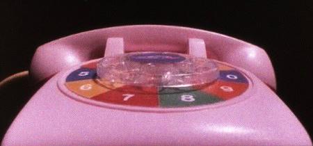 Das Spielzeugtelefon aus dem Film 'Poltergeist', mit dem der Spuk anfängt.