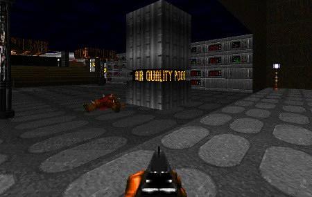 Screenshot DooM-Mod 'Icarus: Alien Vanguard' mit einer Laufschrift in einer Säule 'AIR QUALITY POOR'