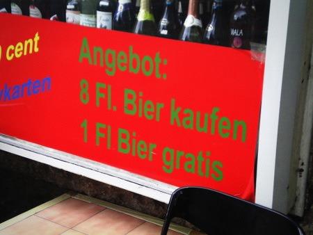 Angebot: 8 Fl. Bier kaufen, 1 Fl. Bier gratis