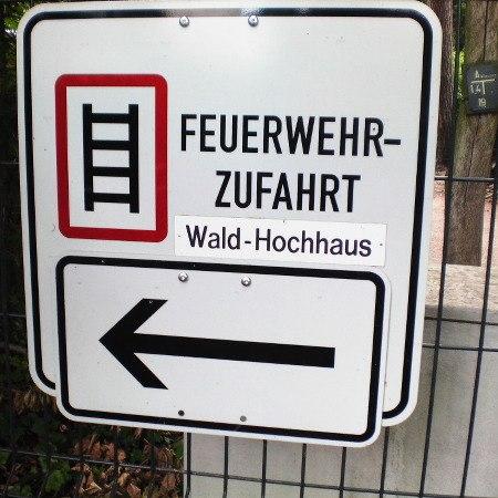 Feuerwehr-Zufahrt Wald-Hochhaus