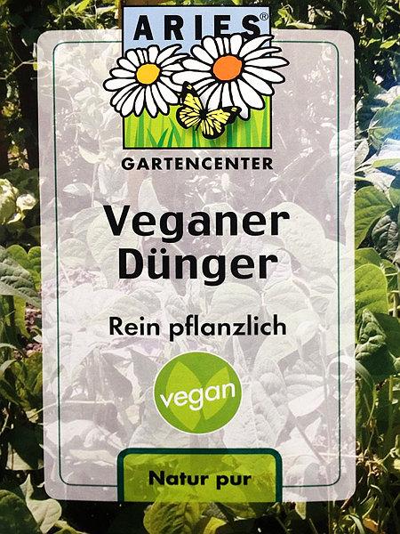 Produktverpackung: Aries Gartencenter -- Veganer Dünger -- Rein pflanzlich -- vegan -- Natur pur