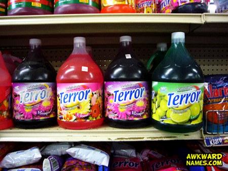 Getränkeflaschen der Marke 'Terror'.