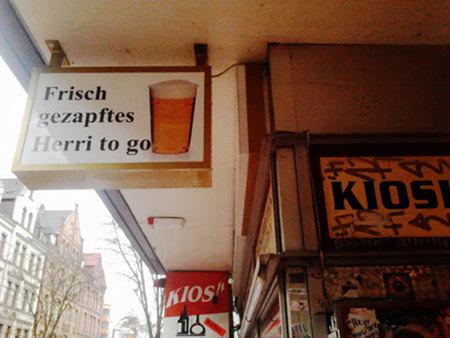Frisch gezapftes Herri to go (Herri ist Herrenhäuser Bier)