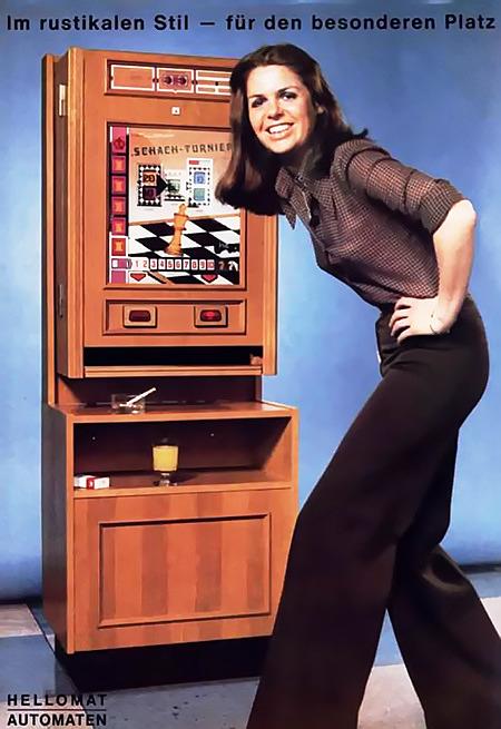 Werbung für das Hello-Geldspielgerät 'Schach-Turnier' aus dem Jahr 1973: Im rustikalen Stil - für den besonderen Platz. Hellomat Automaten