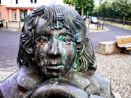Detail der Momo-Skulptur am Michael-Ende-Platz im hannöverschen Zooviertel