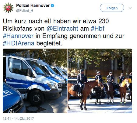 Tweet von Polizei Hannover, @Polizei_H -- Um kurz nach elf haben wir etwa 230 Risikofans von @Eintracht am #Hbf #Hannover in Empfang genommen und zur #HDIArena begleitet.
