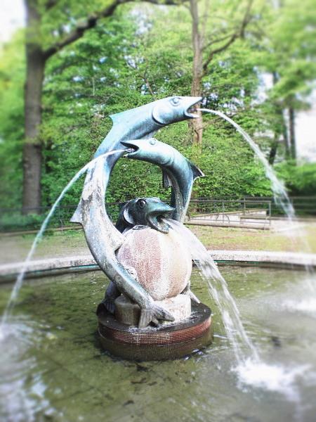 Der Arthur-Menge-Brunnen in Hannover