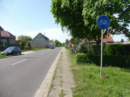 Absurder Radweg