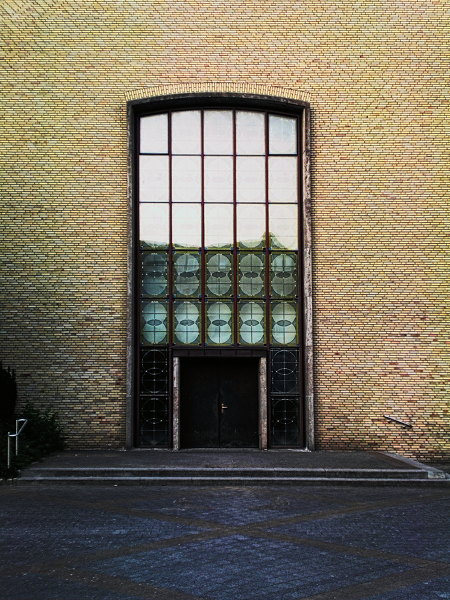 Eingang zu St. Augustinus, Hannover-Ricklingen