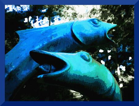Stark digital nachbearbeitetes Foto der Lachsskulpturen am Arthur-Menge-Brunnen in Hannover