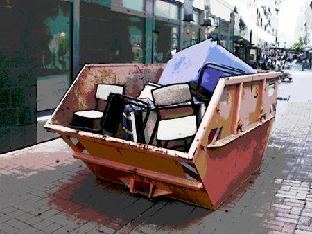 Stark digital nachbearbeites Foto eines Müllcontainers voller Stühle