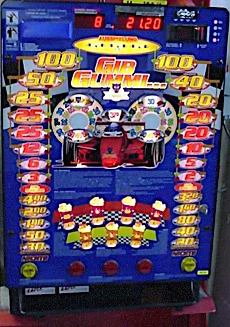 Foto des NSM-Löwen-Geldspielautomaten 'Gib Gummi' aus dem Jahr 1999