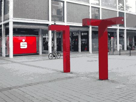 Stark nachbearbeitetes Foto von einem Straßenkunstwerk am Aegidientorplatz, Hannover