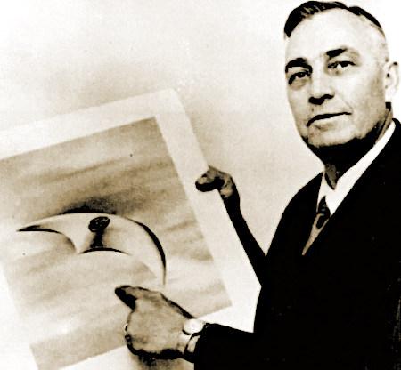 Kenneth Arnold, der Mensch, auf den der Begriff 'Fliegende Untertasse' zurückgeht