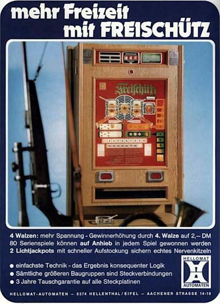 Werbung für den Hellomat-Geldspielautomaten 'Freischütz' aus dem Jahr 1975 in einem Fachmagazin für Automatenaufsteller -- Der Automat wird zusammen mit einem Horn und einem Gewehr gezeigt -- Text: mehr Freizeit mit Freischütz -- 4 Walzen: mehr Spannung, Gewinnerhöhung durch 4. Walze auf 2,- DM -- 80 Serienspiele können auf Anhieb in jedem Spiel gewonnen werden -- 2 Lichtjackpots mit schneller Aufstockung sichern echtes Nervenkitzeln -- einfachste Technik, das Ergebnis konsequenter Logik -- Sämtliche größeren Baugruppen sind Steckverbindungen -- 3 Jahre Tauschgarantie auf alle Steckplatinen -- Hellomat Automaten, 5374 Hellenthal/Eifel, Aachener Straße 14-16