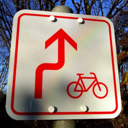 Obskures, nicht in der StVO aufgeführtes Verkehrszeichen.