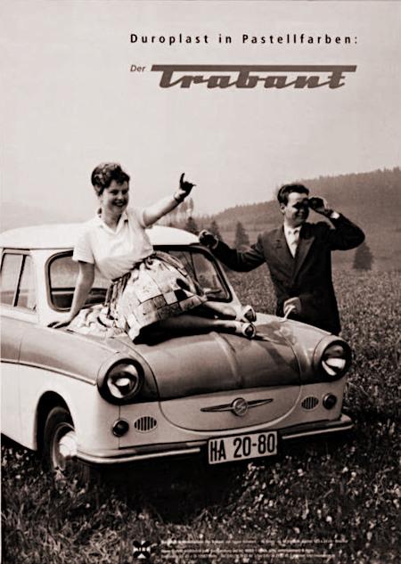 Werbung aus den frühen Sechziger Jahren in der DDR: Duroplast in Pastellfarben: Der Trabant