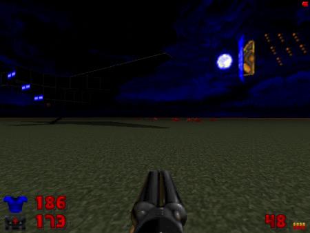 Screenshot DooM mit dem WAD Echelon -- Im Himmel hängt eine seltsame Struktur, die an eine Tür erinnert