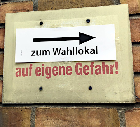 zum Wahllokal auf eigene Gefahr