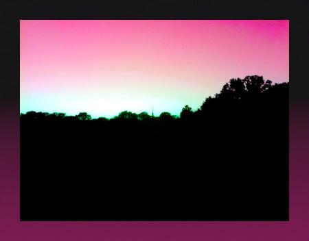 Stark digital bearbeitetes Foto eines Sonnenunterganges