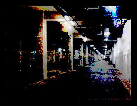 Mit Gimp stark nachbearbeitetes Foto aus dem Sockelgeschoss des Ihmezentrums