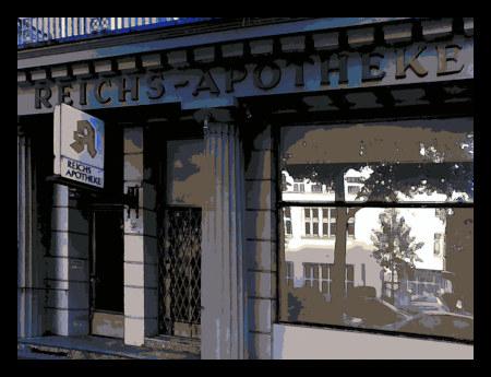 Stark mit Gimp bearbeitete Fassade der Reichs-Apotheke in der hannöverschen Sallstraße