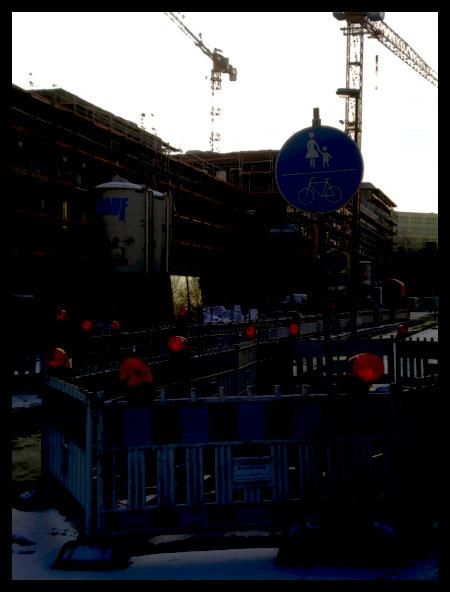Stark mit Gimp bearbeitetes Foto einer Baustelle