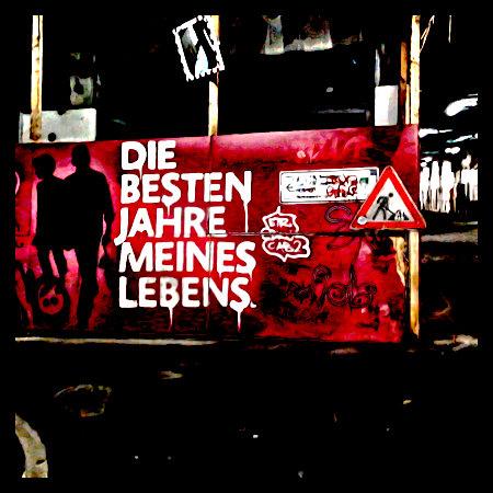 Stark mit Gimp bearbeitetes Foto eines Graffitos am Ihmezentrum: Die besten Jahre meines Lebens