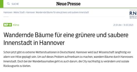 Wandernde Bäume für eine grünere und saubere Innenstadt in Hannover -- Schon jetzt gibt es extreme Wettersituationen in Deutschland. Hannover wird laut Wissenschaft langfristig vor allem von Hitze geplagt sein. Um auf dieses Problem aufmerksam zu machen, wandern Bäume durch Hannovers Innenstadt. Doch bei der Wanderbaumallee geht es auch darum, die City nachhaltig zu verändern und soziale Rückzugsorte zu bieten.